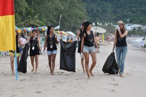 Thai Girls clean up Patong Beach