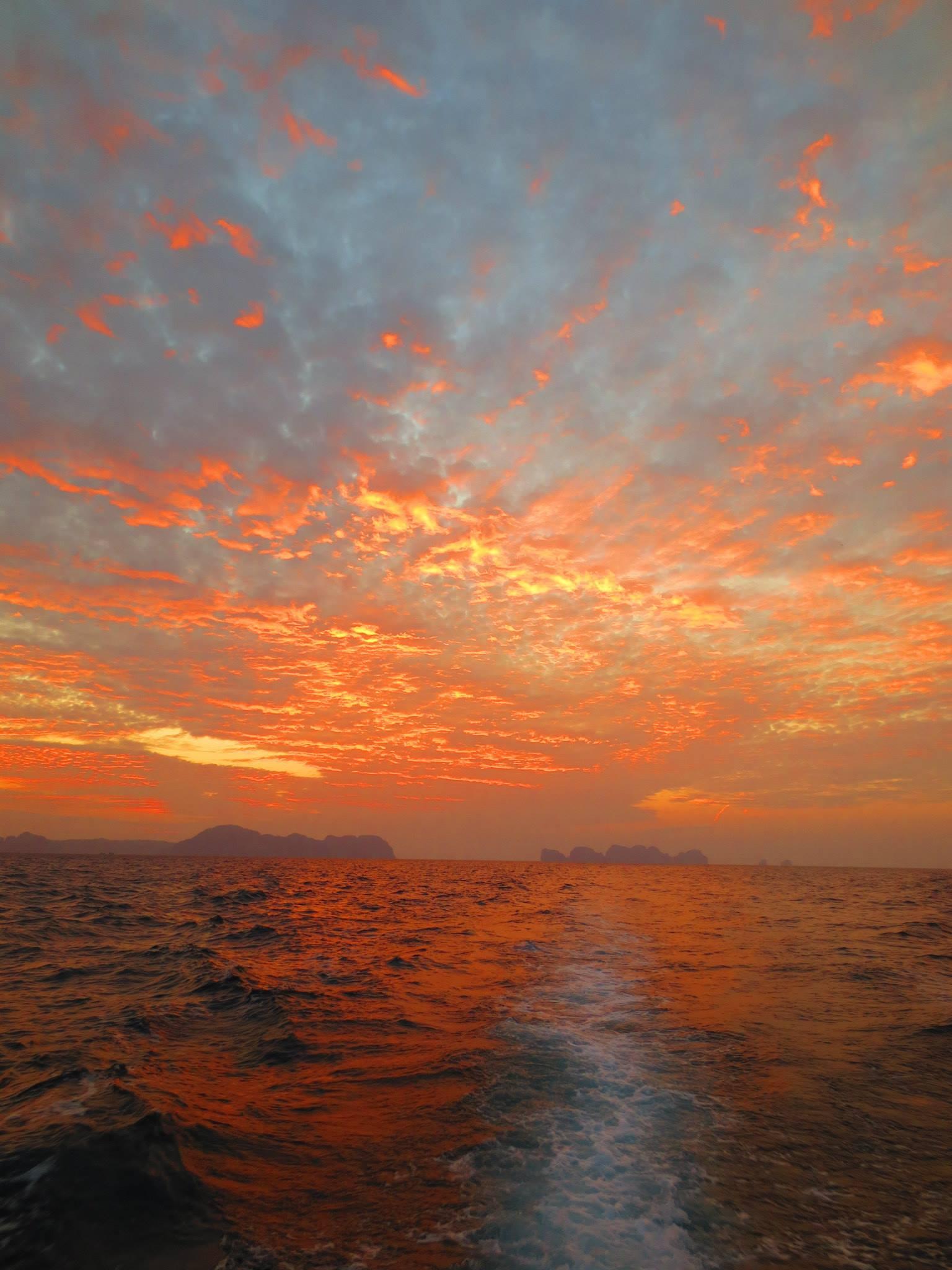 MV Scuba Adventure Sun Set
